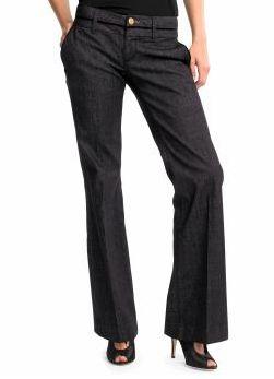 Kalça ve üst bacaklarınız genişse, böyle bir modelle daha ince görünebilirsiniz.  Nerelerde bulabilirsiniz?  Banana Republic,  Mavi Jeans, Boyner